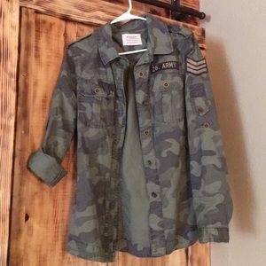 NWOT camo jacket from Buckle Medium